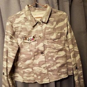 BKE Outerwear Camo. Light weight Jacket